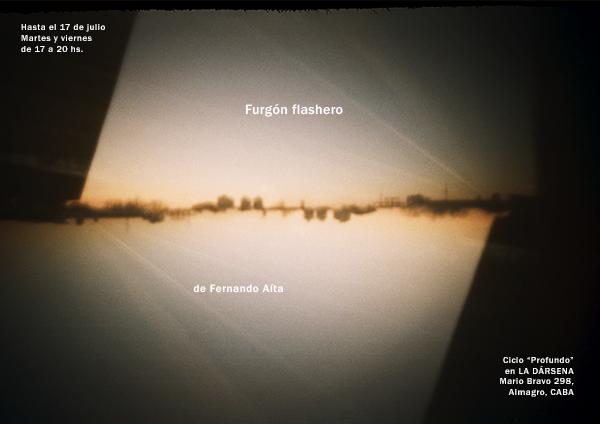 Furgón flashero en La Dársena hasta el 17-7